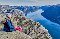 outdoorlife_norway_preikestolen_winter_hike_20190301_19-stavanger-norwegen-littlediscoveries_net.jpg